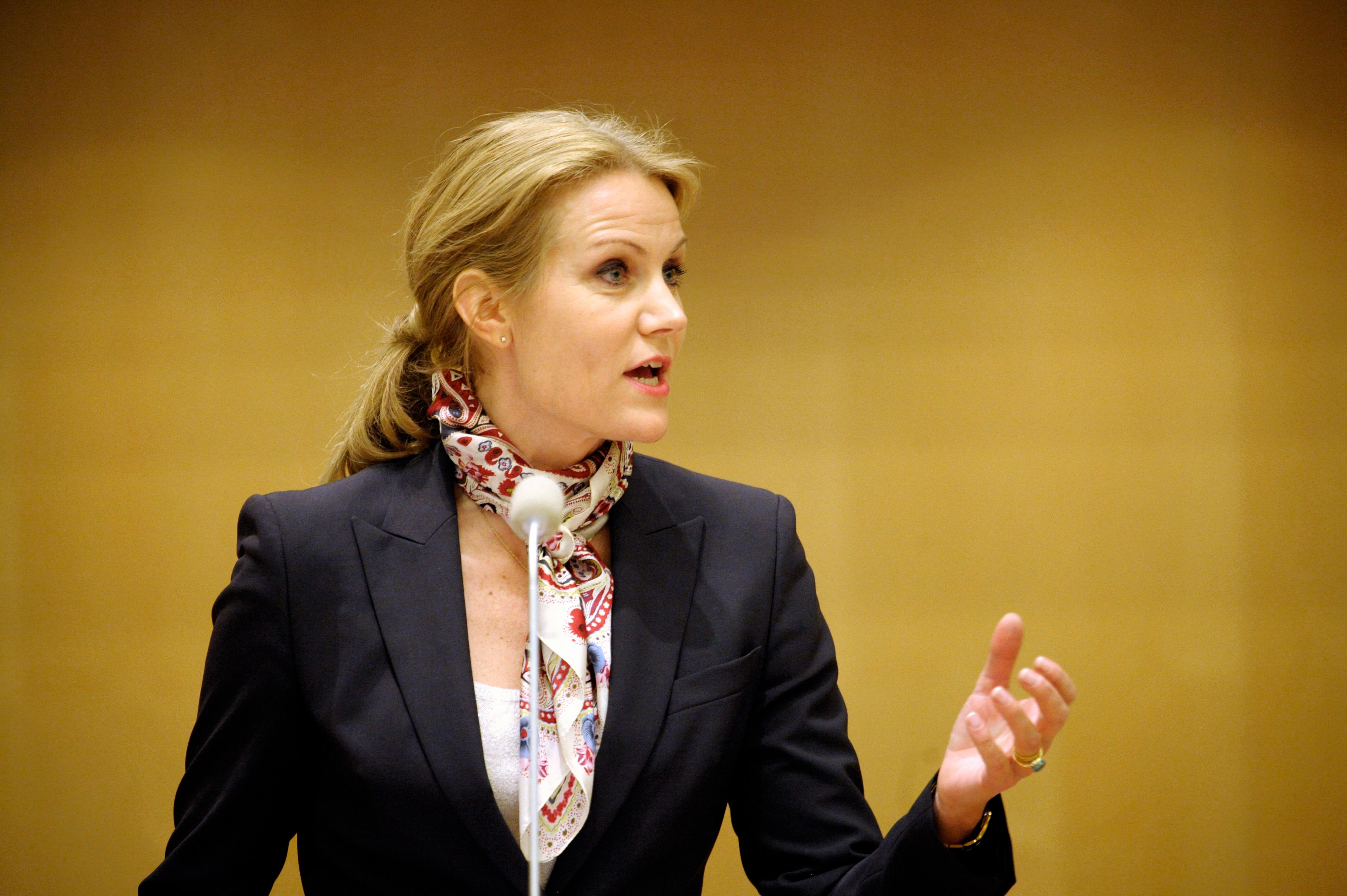 Helle Thorning-Schmidts, danska socialdemokraternas partiledare, i talarstolen vid Nordiska rådets session i Stockholm 2009