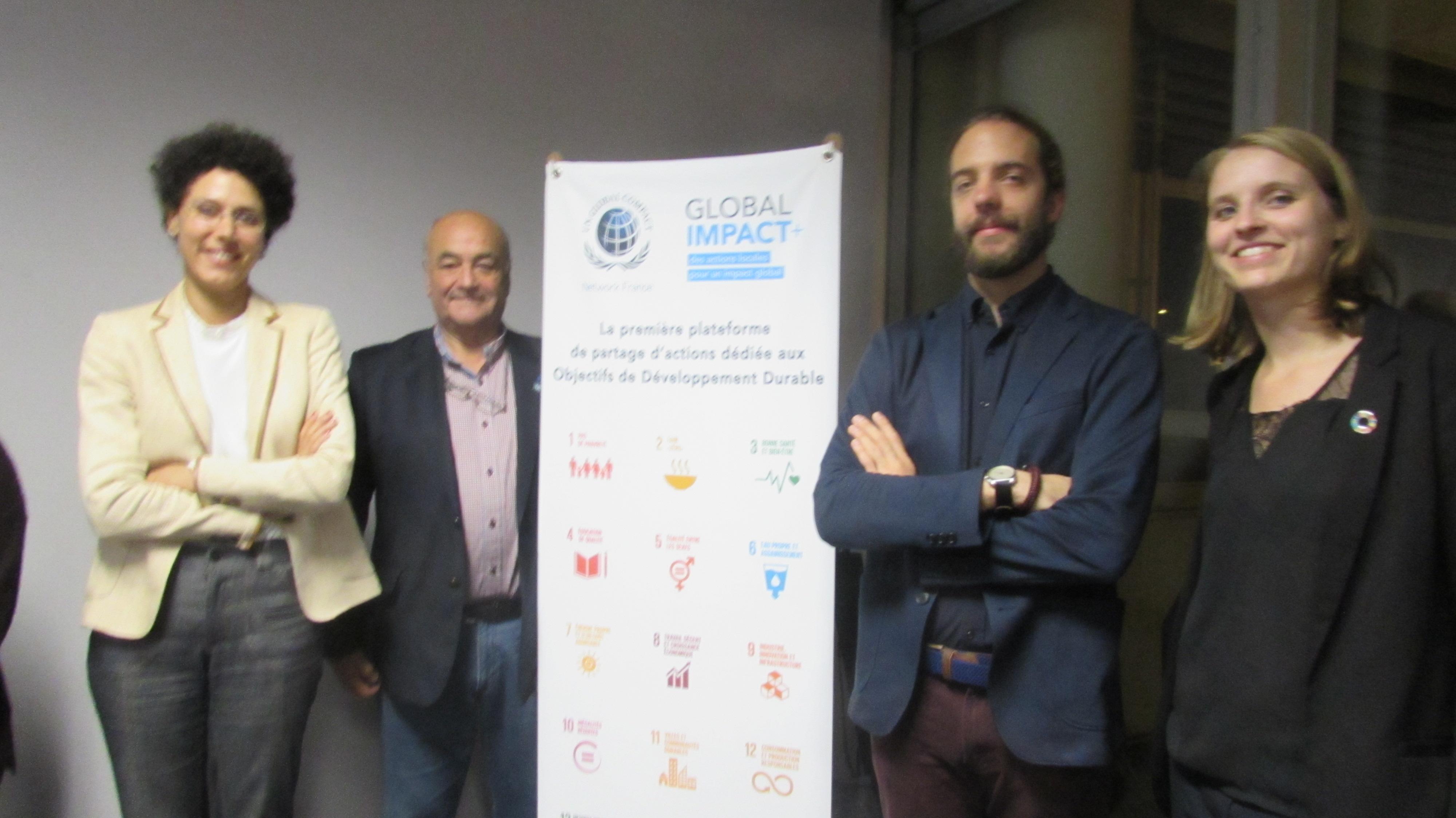 De gauche à droite: Mme Imalhayene, M. Salinas, M. Burel (Chargé de mission RSE&PME), Mme Graffion (Chargée de mission RSE)